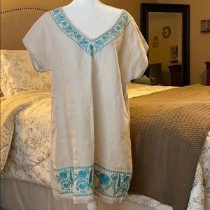 Zara embroiled V- neck linen dress!